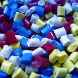 Plastové regranuláty